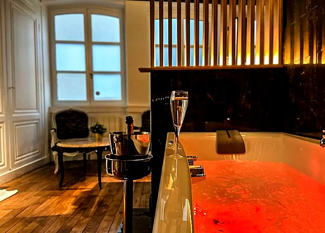 majord d'home suite balneo jacuzzi privatif chambre lyon