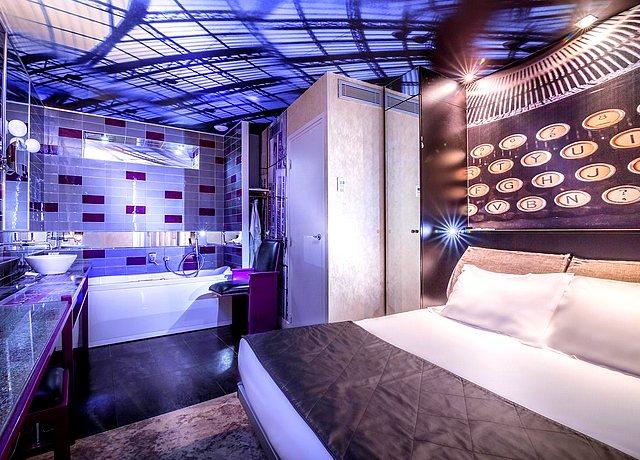 chambre avec jacuzzi privatif hotel apostrophe