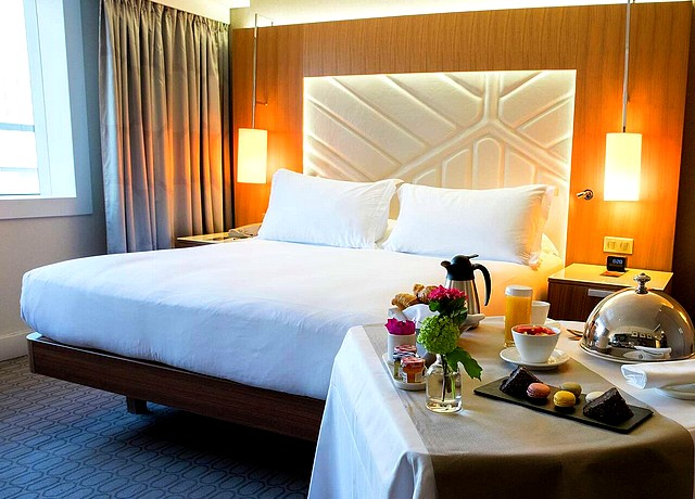 chambre avec jacuzzi privatif sur paris hotel hilton la defense