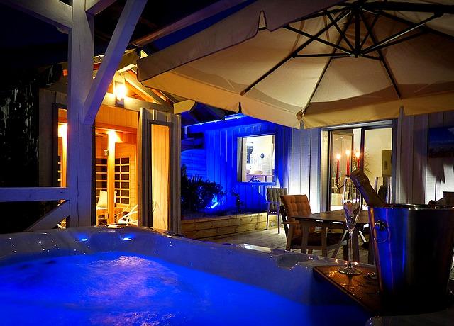 chambre avec jacuzzi privatif proche de Bordeaux le Sentimental Loft