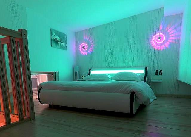 chambre avec jacuzzi privatif sur lille hotel sparadise lille
