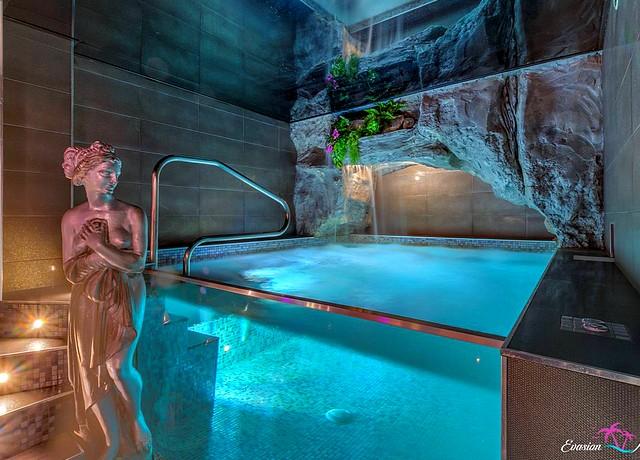 chambre avec piscine privée à Marseille à l'Evasion Antillaise