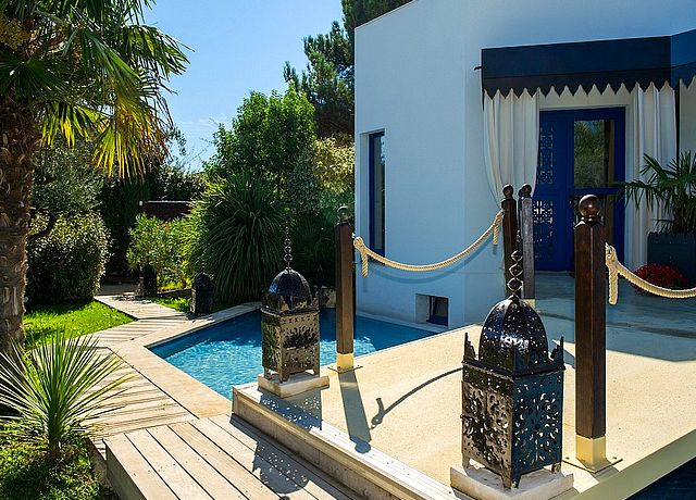 chambre d'hôtel avec piscine privée à marseille la villa majorelle