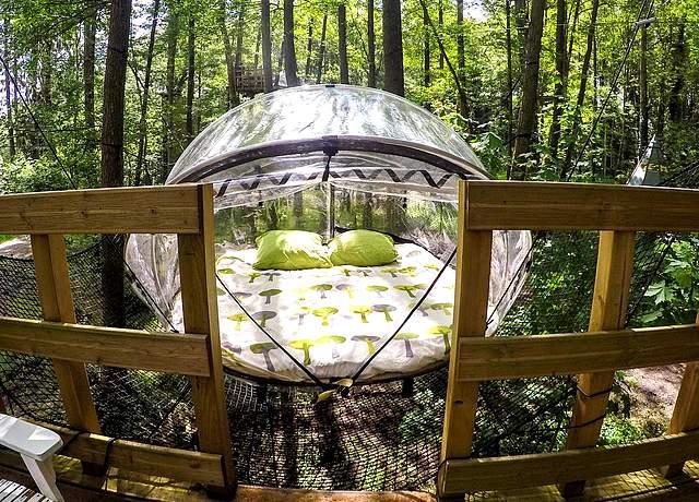 dormir dans une bulle près de paris la maison du rocher de fontainebleau