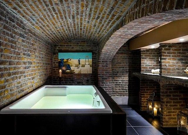 hotel avec jacuzzi privatif sur lille à l'hotel la maison du champlain lille