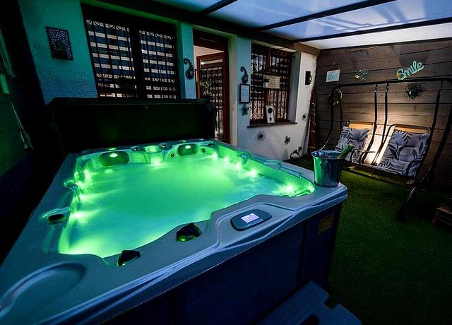 maison avec jacuzzi privatif à Toulouse au Loft Jacuzzi Privatif de Toulouse