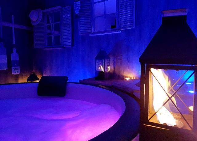 Chambre avec jacuzzi privatif proche de Nantes au gite de charme Nuit Secrète