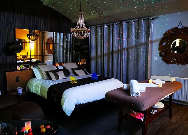 chambre d'hotel avec piscine privée à nantes au Love Nature