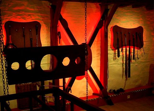 Chambre d'hotel Bdsm proche de Nantes à la Demeure Libertine