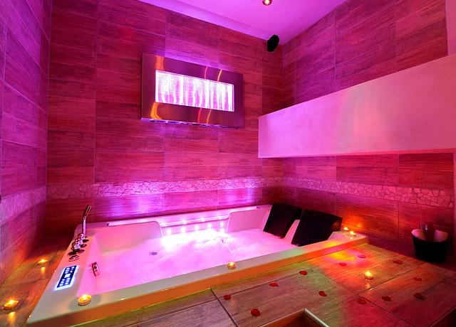Chambres d'hôtes avec une chambre avec jacuzzi privatif à Montpellier à L'abri cosy