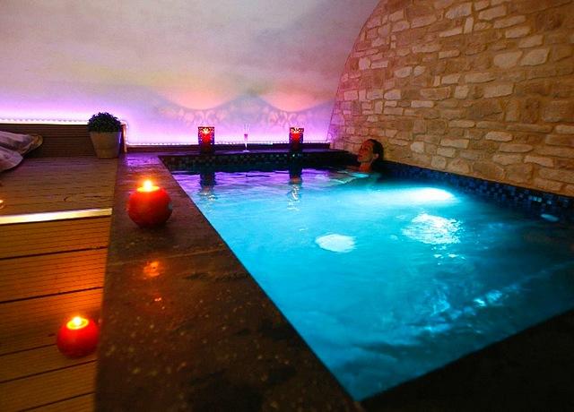 Suites d'une chambre avec jacuzzi privatif à Montpellier au Clos des restanques