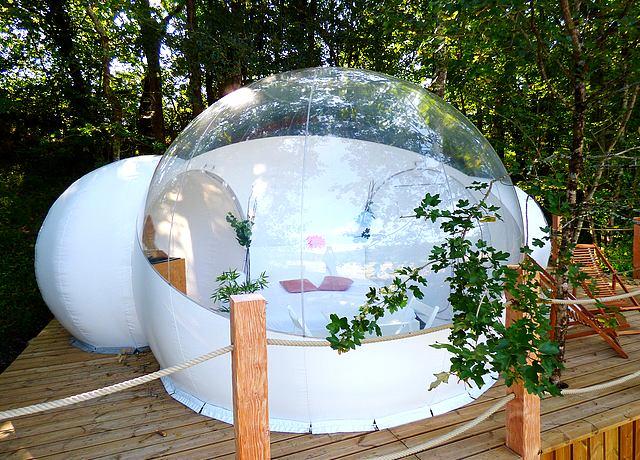 dormir dans une bulle bordeaux les cabanes de la romaningue