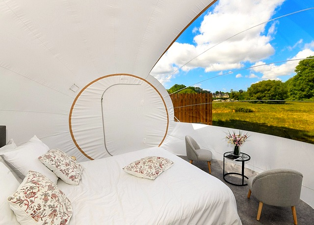 Dormir dans une bulle près de Nantes au Château la Foret