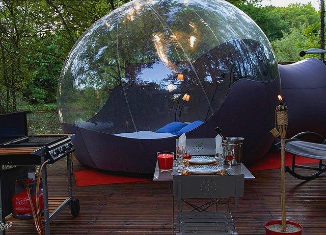 Dormir dans une bulle près de Toulouse au Domaine des Grands Chênes