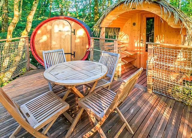 Dormir dans une cabane dans les arbres proche de Bordeaux aux Cabanes de la Romaningue