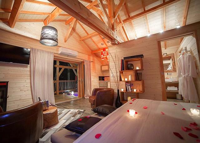 Dormir dans une cabane dans les arbres près de Bordeaux chez D'Emilion de Sens