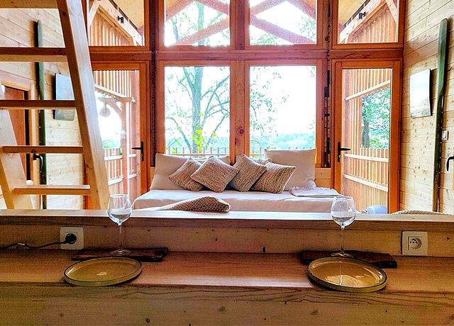 Dormir dans une cabane dans les arbres à Lyon au Lyon Country House