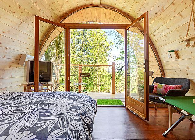 Dormir dans une cabane dans les arbres à proximité de Lyon à Monchâteau étoilé