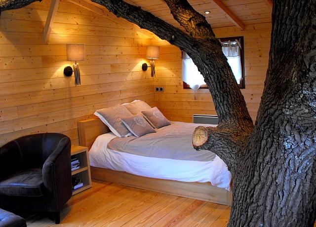 Dormir dans une cabane dans les arbres à Nantes à la Cabane perchée du Charron