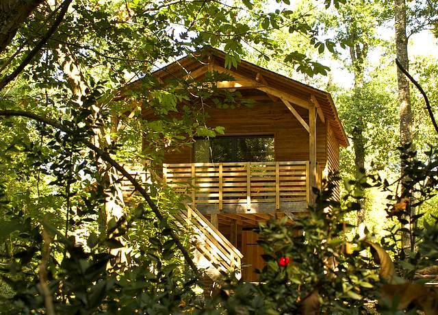Dormir dans une cabane dans les arbres proche de Nantes aux Ecolodges de Loire