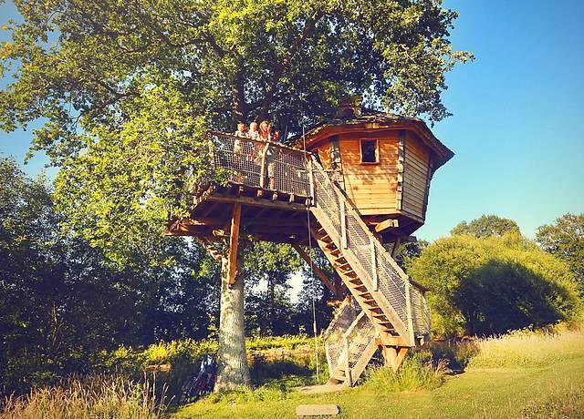 Dormir dans une cabane dans les arbres près de Nantes à la Chouette Cabane