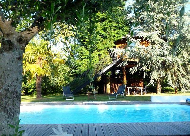 Dormir dans une cabane dans les arbres sur Nantes au Nid