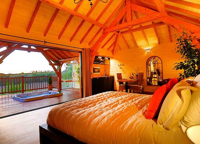 Dormir dans une cabane dans les arbres près de Toulouse au Domaine Joucla