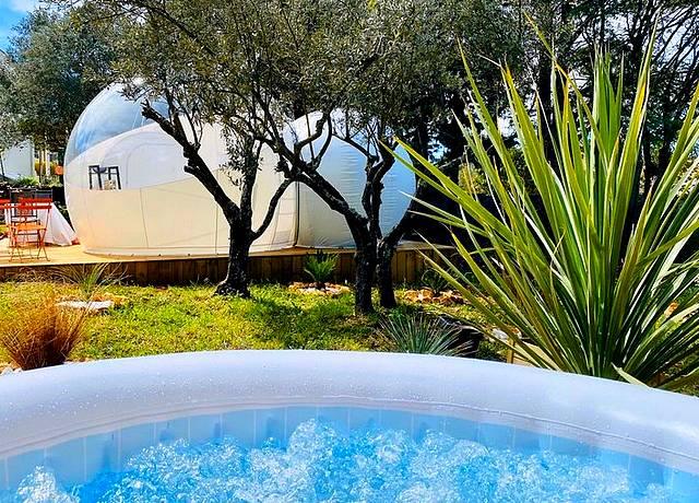 Dormir dans une bulle près de Marseille à la Bubble DReam