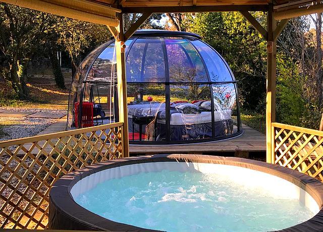 Dormir dans une bulle ou un dôme près de Marseille chez Maisons Bulles
