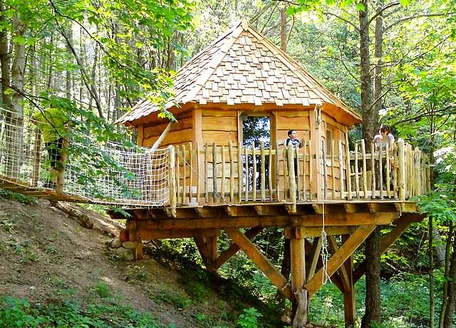Dormir dans une cabane dans les arbres près de Strasbourg aux Cabanes Essentielles